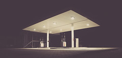 gas_01 (Sentifiag) Tags: light night dark energy glow glare shine darkness display diesel nacht energie service gloom petrol gasoline economy dunkel wirtschaft petrolstation dunkelheit anzeige tankstelle petrolpump tanken lightbeam leuchten benzin lichtstrahl dienstleistung fuelup zapfsule