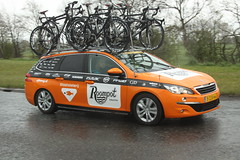 Roompot Team Car (Steve Dawson.) Tags: road uk england cold wet car bike race canon eos is team yorkshire cycle tdy april spare usm ef28135mm damp 29th uci 2016 f3556 50d ef28135mmf3556isusm roompot canoneos50d teamcars tourdeyorkshire harswell