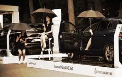 Rainy day on Turin motorshow (only_sepp) Tags: auto torino renault pioggia motorshow modelle allaperto ombrelli parcodelvalentino