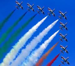 Frecce Tricolori (alex.gan) Tags: volo cielo giorno volare aereoplano velivolo allaperto airshowloano2016