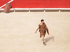Gladiator (Rachel Dunsdon) Tags: france amphitheatre arles fr gladiator