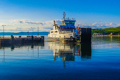 Loch Shira (Brian Travelling Getty Contributor) Tags: calm coastal da loch ayrshire pswaverley lochriddon mcbrayne pathfirth clydeclyde bayloch lnorth krpentaxpentax shiraferrycalmacwaterblueblue skyshipboatpaddle steamerwaverleylargslargs harbourlargs shiravibrantcolours scotlandcolourfulreflectionsreflectionpentax ayrshirenorth coastclydesidecaledonian