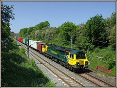 70017, Great Brington, 4O13 (Jason 87030) Tags: pictures camera green june train shot loop blossom northamptonshire tracks picture tags cargo fave wires views ugly z southampton amateur bizarre northants photostream containers fugly crick fot soton 2016 daventry freightliner emd wirecutter wcml dirft class70