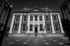 Mauritshuis (miguel_lorente) Tags: street old city blackandwhite bw holland building tourism netherlands dutch museum architecture nederland denhaag thehague bnw mauritshuis