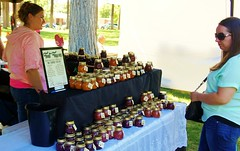Spokane Artfest (Tracy Hunter) Tags: park usa washington spokane state gourmet artfest jelly jams sauces 2016