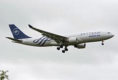 HL8212 (Skidmarks_1) Tags: norway airport aircraft aviation airliners osl koreanair engm airbusa330 oslogardermoenairport hl8212