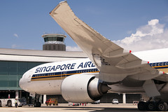 CFR2307 SQ B777-312(ER) 9V-SWB (Carlos F1) Tags: nikon d300 aircraft airplane aeroplane aeronave avin transporte transport spotter spotting bcn lebl machine 9vswb singapore airlines sq boeing b777312er b777312 b777300er b777300 b773 b777 777 773 777300 777312 777312er extended range elpratdellobregat barcelona spain