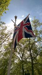 2015-05-04_03-45-35 (bananarama87) Tags: uk summer london westminster flag m8 sunnyday htc