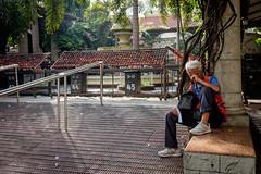 Dagkut (Lord Allen Hernandez) Tags: fuji streetphotography cebu cebucity stonino basilicadestonino lordallenhernandez fujix100t