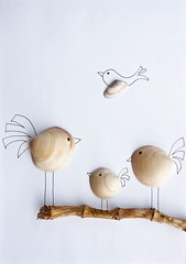 Pajaritos (pamipipa) Tags: birds seashells branch drawing mixedmedia pjaros dibujo rama conchas mergedmedia