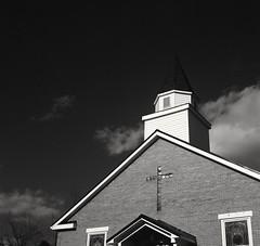 First Church of God Campton, KY (matthew.vortex) Tags: church mediumformat kentucky hp5 ilford yashica zonesystem redfilter mat124g campton
