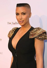 226594_1697567169054_7326955_n (marisabuffagni) Tags: cute kim bare smooth shaved bald pomo cropped bang buzzed zero clipper jovanka scalp eybrows macchinetta liscia calva rasata frangia tosata kardashian pelata rapata