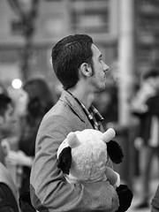 ONE BY ONE Feria de Abril Gateway Flota de Indias Av 00-01h NONO TOUS  12 (24 hours of Seville Street Life) Tags: blackandwhite bw byn blancoynegro real sevilla feria fair seville bn portada noria flamenca atracciones obo gitana lunares procesin caseta feriadeabril streetphotograpy cacharritos recintoferial faralaes onebyone rebujito calledelinfierno paseoacaballo fotografacallejera capitalhispalense nonotous