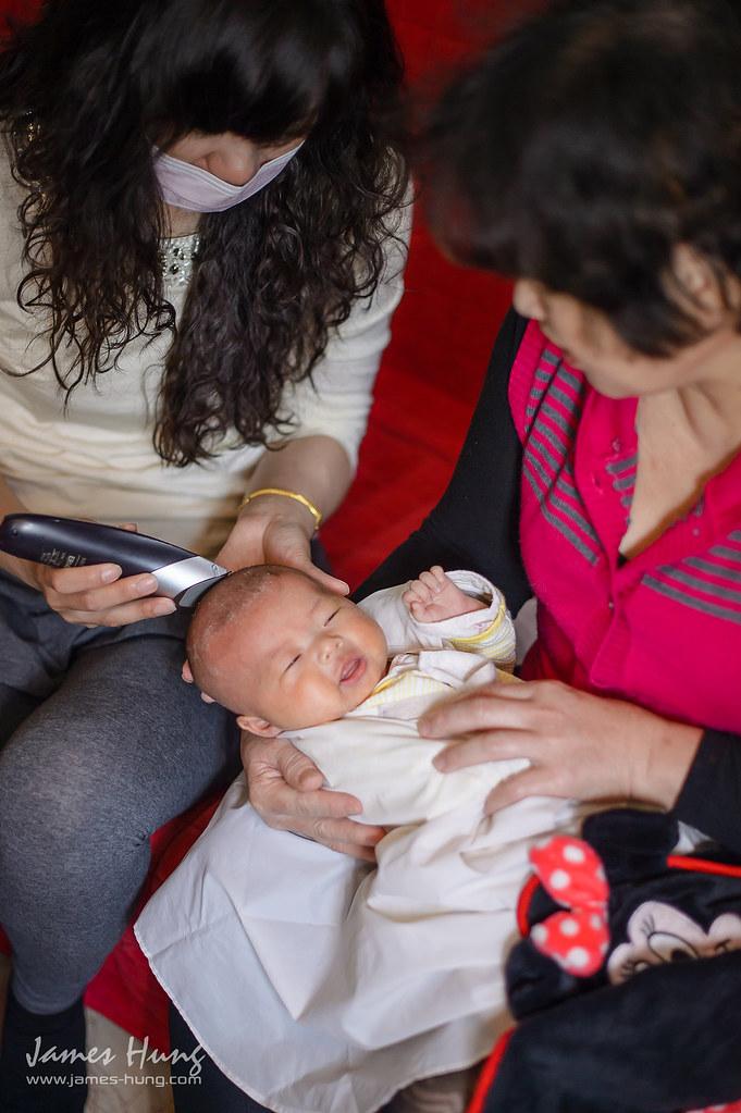 兒童寫真、兒童寫真價格、兒童寫真行情、兒童幸福寫真、兒童攝影、全家福合照、剃胎毛古禮、寶寶寫真、寶寶寫真攝影、寶寶居家寫真、寶寶攝影、寶寶生活照、寶寶製作胎毛筆、就是紅兒攝、幸福的家、新生兒寫真、親子寫真、親子攝影