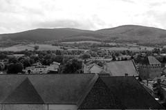 Cluny avec toit (the yellowrider) Tags: france noiretblanc paysage cluny tamron1750 foramt nikond90 formatpaysage