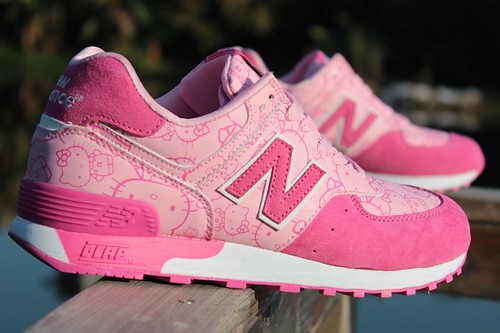 New Balance W576 Hello Kitty Pink Peach Womens Sneakers_2