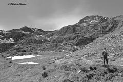 sui monti (sanino fabrizio) Tags: canon italia piemonte neve roccia biella montagna bianco nero monti bambino oropa catena 550d montuosa