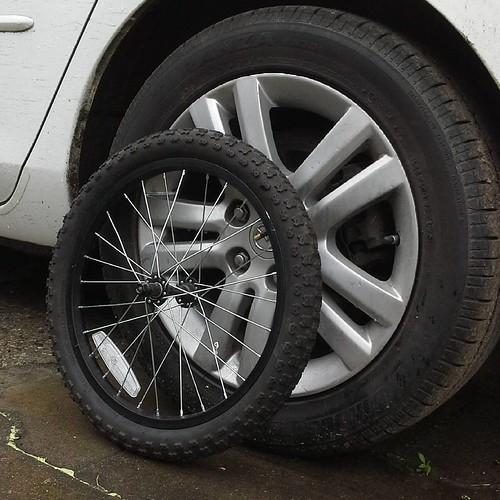#mskoblast #automotive  Запаска. В смысле, докатка. На шиномонтаже. #spring