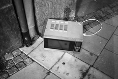 (Emma Swann) Tags: sweden gothenburg rubbish discarded microwave