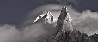 photo montagne panoramique / les sommets du massif de l'aiguille verte dans le massif du mont-blanc