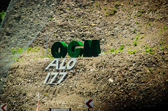 OGM (Melissa Maples) Tags: sign turkey nikon asia text türkiye nikkor hillside vr afs 尼康 ogm türkçe 18200mm tekirova 土耳其 f3556g ニコン 18200mmf3556g d5100