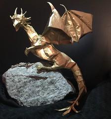 Western Dragon - Shuki Kato (Kraft 90cm x 90cm) + spray painting (yurigami88) Tags: origami dragon drago dobradura kraftpaper golddragon complexorigami shukikato westerndragonv3 origadores