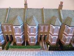Gardening in 1/76 scale (kingsway john) Tags: kingsway models terraced house kit card 176 scale oogauge terd model diorama