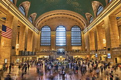 Grand Central Terminal, New York (Joao Eduardo Figueiredo) Tags: grand central clock manhattan newyork new york us usa nikon nikond810 joaofigueiredo joaoeduardofigueiredo terminal station grandcentralterminal grandcentralstation american flag americanflag time railroad trains subway passengers travel commuter building platforms people