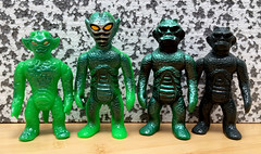 HxS omake size comparison (fun9us) Tags: monster set king mr gorilla alien mini x stretch armstrong ju omake mg2 hirota saigansho