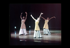 ss28-22 (ndpa / s. lundeen, archivist) Tags: show color film boston dance dancers dancing stage massachusetts nick performance slide dancer slideshow mass 1970s performers alvinailey dewolf early1970s nickdewolf photographbynickdewolf alvinaileydancers slideshow28