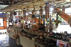 ตลาดน้ำ 4 ภาค (พัทยา) ขอเชิญทุกท่านชมสินค้างานหัตถกรรมภาคใต้...เป็นสินค้าที่มีความปราณีต โดยเฉพาะวัสดุที่ทำจากกะลามะพร้าวและไม้ไผ่ ที่เป็นภูมิปัญญาชาวบ้านของชาวใต้..นอกจากนี้ขอเชิญชมหนังตะลุง คือ ศิลปะการแสดงประจำท้องถิ่นอย่างหนึ่งของภาคใต้ เป็นการเล่าเรื