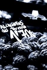 Alcachofas del terreno (u.giommetti) Tags: blackandwhite valencia spain europa europe market espana mercato biancoenero spagna artichokes carciofi