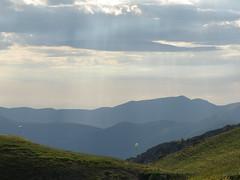 Paragliding (Fraser P) Tags: flowers italy mountains primavera landscape spring umbria castelluccio pianogrande fiorita