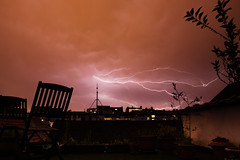 Orage (Ak@ssia) Tags: sky storm outside bruxelles ciel d750 lightning orage clairs poselongue