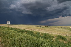Contrasts (www.JnyAroundTheWorld.com - Pictures & Travels) Tags: sky usa storm nature weather clouds canon landscape outdoors wyoming tornado greatplains tatsunis grandesplaines