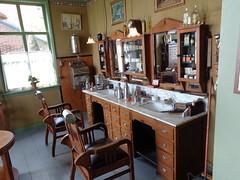 Enkhuizen buitenmuseum, Kapper (janwillemsen) Tags: museum interior hairdresser enkhuizen kapper