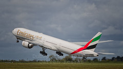 A6-EGX of Emirates. (Dubspotter2015) Tags: ireland sky dublin beautiful clouds plane canon airplane outdoors photography flying airport dubai skies colours aviation air jets jet cockpit images emirates international commercial engines 7d vehicle ek boeing airlines ge 70200 jetblast dub pilot copilot dxb generalelectric planespotting b777 canon70200 jetwash turbofan ge90 skyteam avnerd avgeek b773 aviationphotography rwy28 boeing777300er eidw wingflex canon7d airlinerworld a6egx canonaviation
