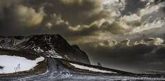 Indecision (Snia CM) Tags: sunset sky naturaleza nature clouds canon landscape iceland islandia paisaje paisatge 6d postadesol canon6d