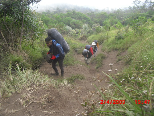 "Pengembaraan Sakuntala ank 26 Merbabu & Merapi 2014 • <a style=""font-size:0.8em;"" href=""http://www.flickr.com/photos/24767572@N00/26558758413/"" target=""_blank"">View on Flickr</a>"