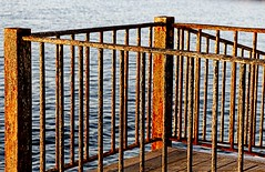 xido (camus agp) Tags: mar oxido canoneos barandilla oxidado marmediterraneo
