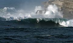 FERNANDO RIEGO / 2419GNW (Rafael Gonzlez de Riancho (Lunada) / Rafa Rianch) Tags: sea mer sports mar rocks surf waves surfing cliffs olas rocas cantabria deportes laisla ocano acantilados santamarina