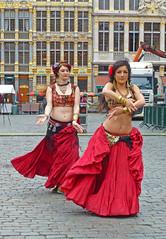 """Danse """"orientale"""" sur la Grand Place de Bruxelles Brussels. (caramoul25) Tags: brussels dance grandplace bruxelles orient caramoul25"""