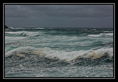 Belle le (Morshu69) Tags: sea sky cloud mer storm rock canon wave bretagne ciel nuage vague morbihan rocher 56 cume ocan belleileenmer