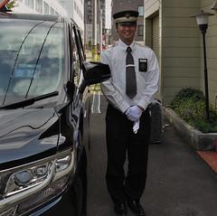 Taximan (Sapporo) (Tadeusz Ludwiszewski) Tags: sapporo streetphoto mkgroup