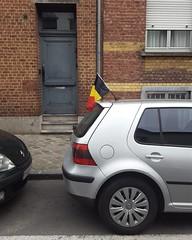 'Gekkenhuis!' - #Brussels #Belgium #EC2016 #EK2016 #streetphotography #Brusselblogt #visitbrussels #welovebrussels #hellhole #gekkenhuis (Ronald's Photo Factory - www.ronaldgiebel.eu) Tags: brussels square football belgium streetphotography bruxelles squareformat brussel iphoneography euro2016 instagramapp uploaded:by=instagram ec2016 ek2016