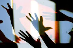 spegnete la luce (battista ferrero) Tags: silhouette hands hand ombra mani ombre msni battistaferrero retulip