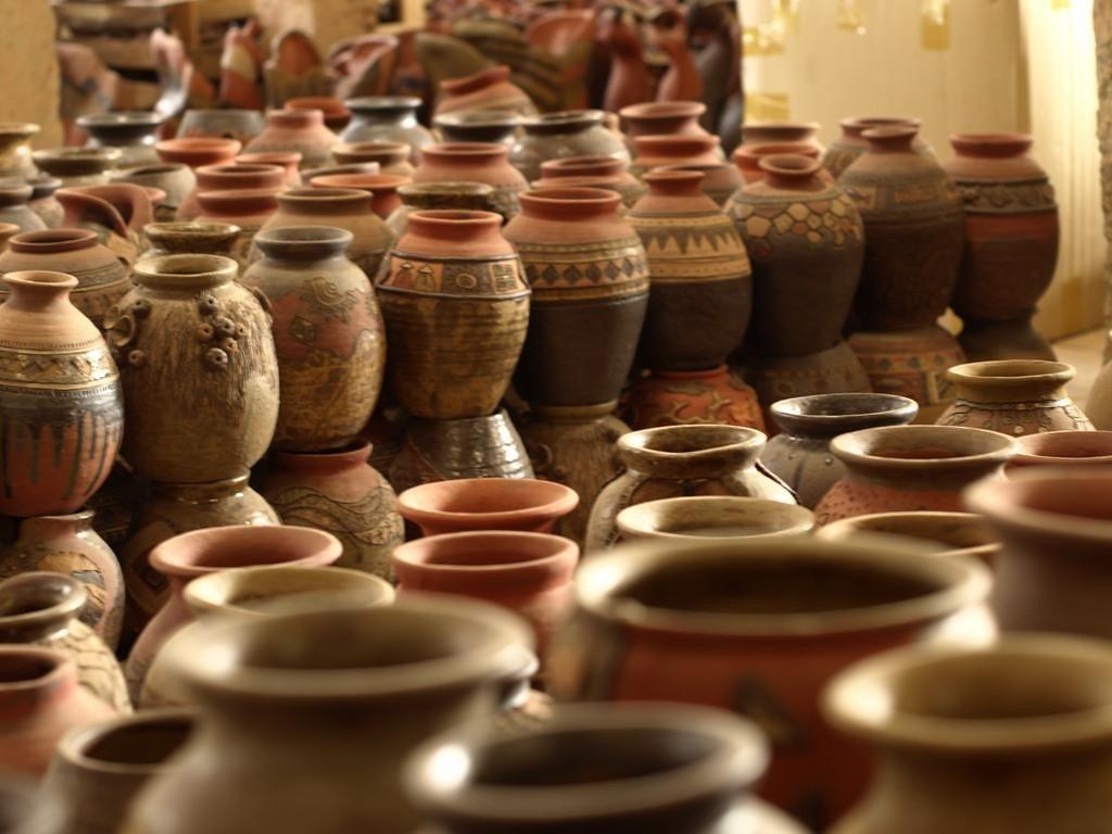 2Nghề gốm Thổ Hà là một trong ba trung tâm gốm sứ cổ xưa nhất của người Việt