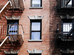 Clean Bricks, Dirty Bricks (Esteban Fallone) Tags: newyork architecture stairs buildings arquitectura bricks walls ladrillos ladders escaleras nuevayork edificos nyarchitecture newyorkarchitecture newyorkbuildings nybuildings edificiosdenuevayork