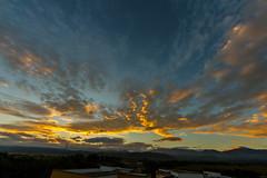 Salida del sol (Jos M. Arboleda) Tags: cloud sol canon colombia jose amanecer nube arboleda airelibre salidadelsol popayn eosm josmarboledac sigma816