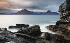Elgol (Kevin.Grace) Tags: sunset sea seascape mountains scotland rocks landsacape elgol
